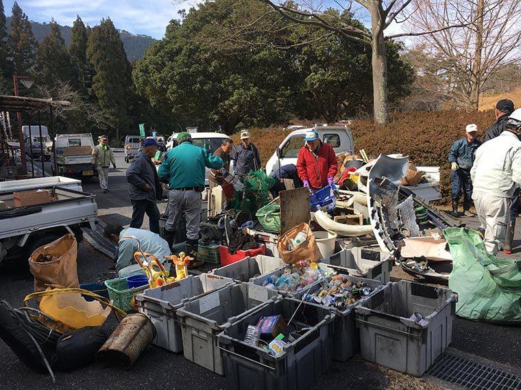 金勝森林 不法投棄ゴミ清掃活動